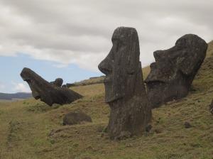 Helen Easter Island statues2