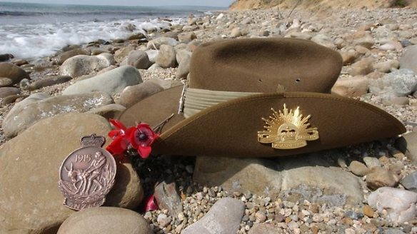 020641-slouch-hat beach