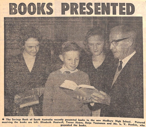 Books presented to new Modbury High School